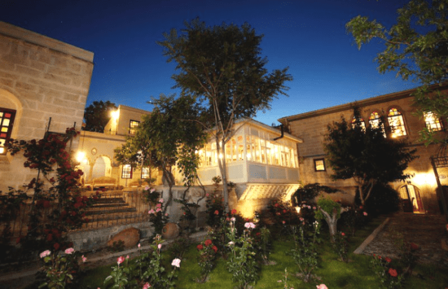cappadocia-s-cave-hotels-living-the-high-life-deep-07_result